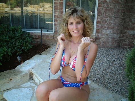 old wife bikini jpg 1280x960